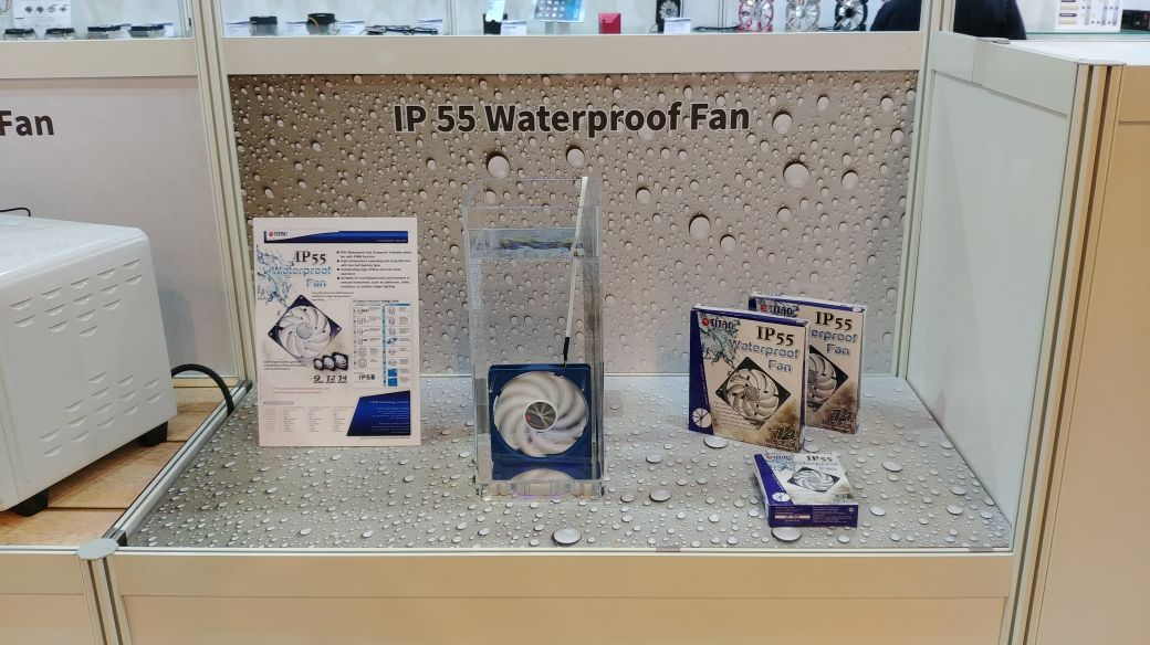 TITAN IP55 Waterproof fan